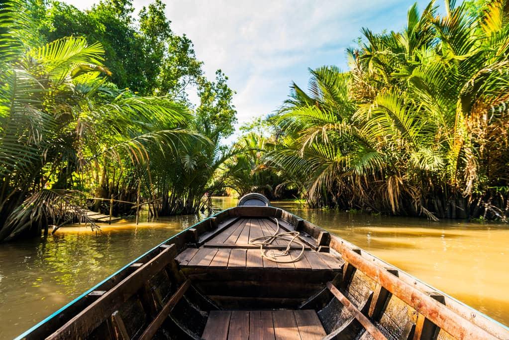 2-bootsfahrt-auf-winzigen-Wasserstraßen-vom-Mekong