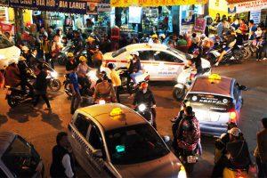 Der turbulente Verkehr auf Vietnams Straßen